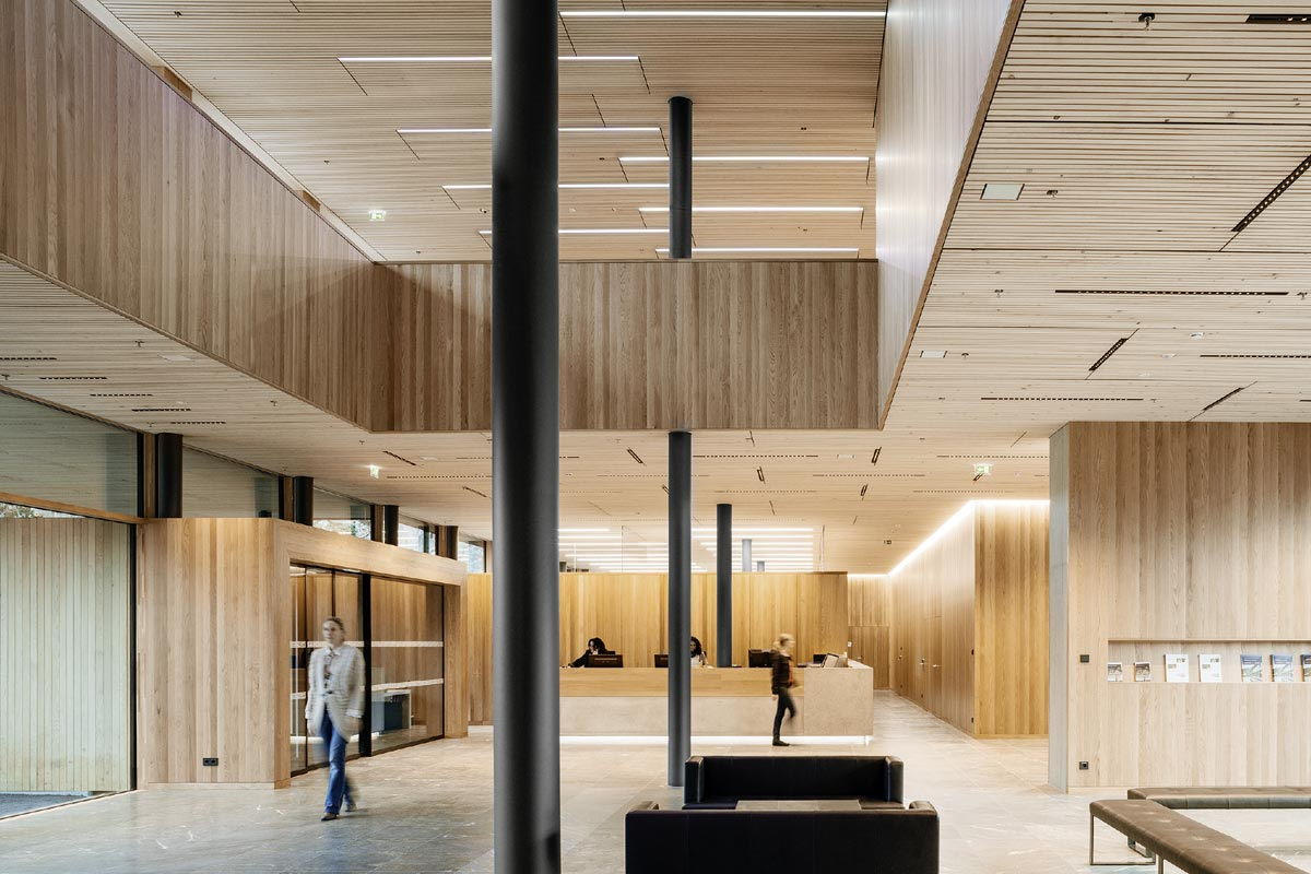 LED office lighting at Illwerke Montafon, Photo: Zumtobel