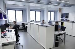 Büro mit LED-Beleuchtung, Foto: Waldhör KG