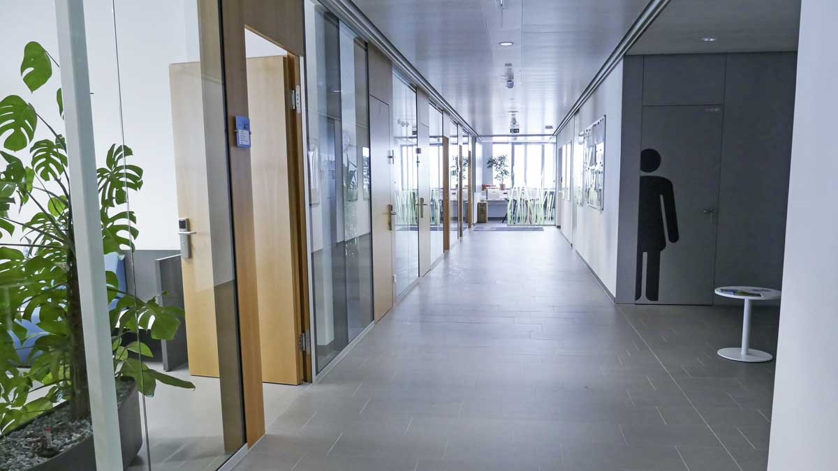 Corridor with LED-lights, Photo: Waldhör KG