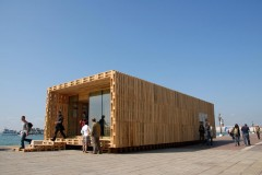 Pallet House, Biennale di Architettura, Venice 2008, Photo: palettenhaus.com