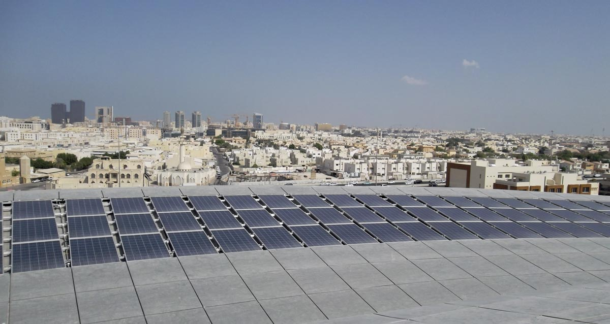 PV modules in a subtropical climate/Qatar, Photo: ENcome Energy Performance GmbH