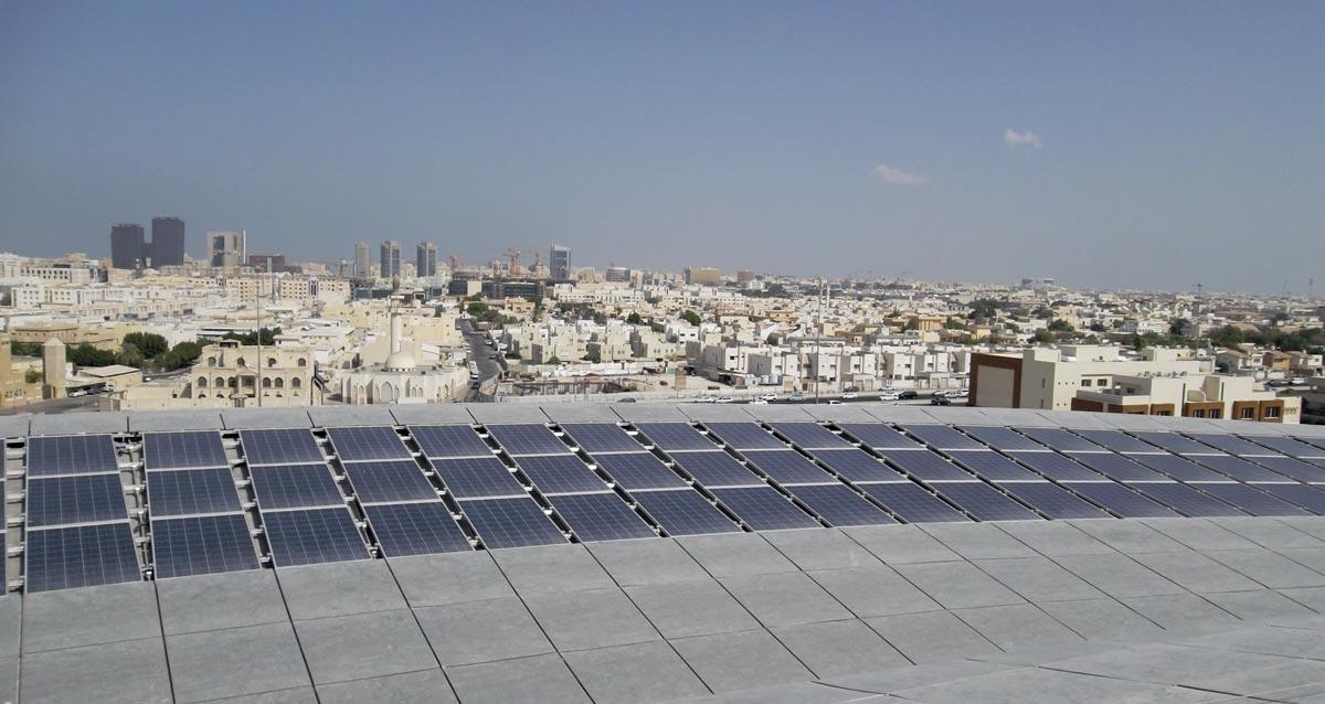 PV modules in a subtropical climate/Qatar, Photo: ENcome Energy Performance GmbH