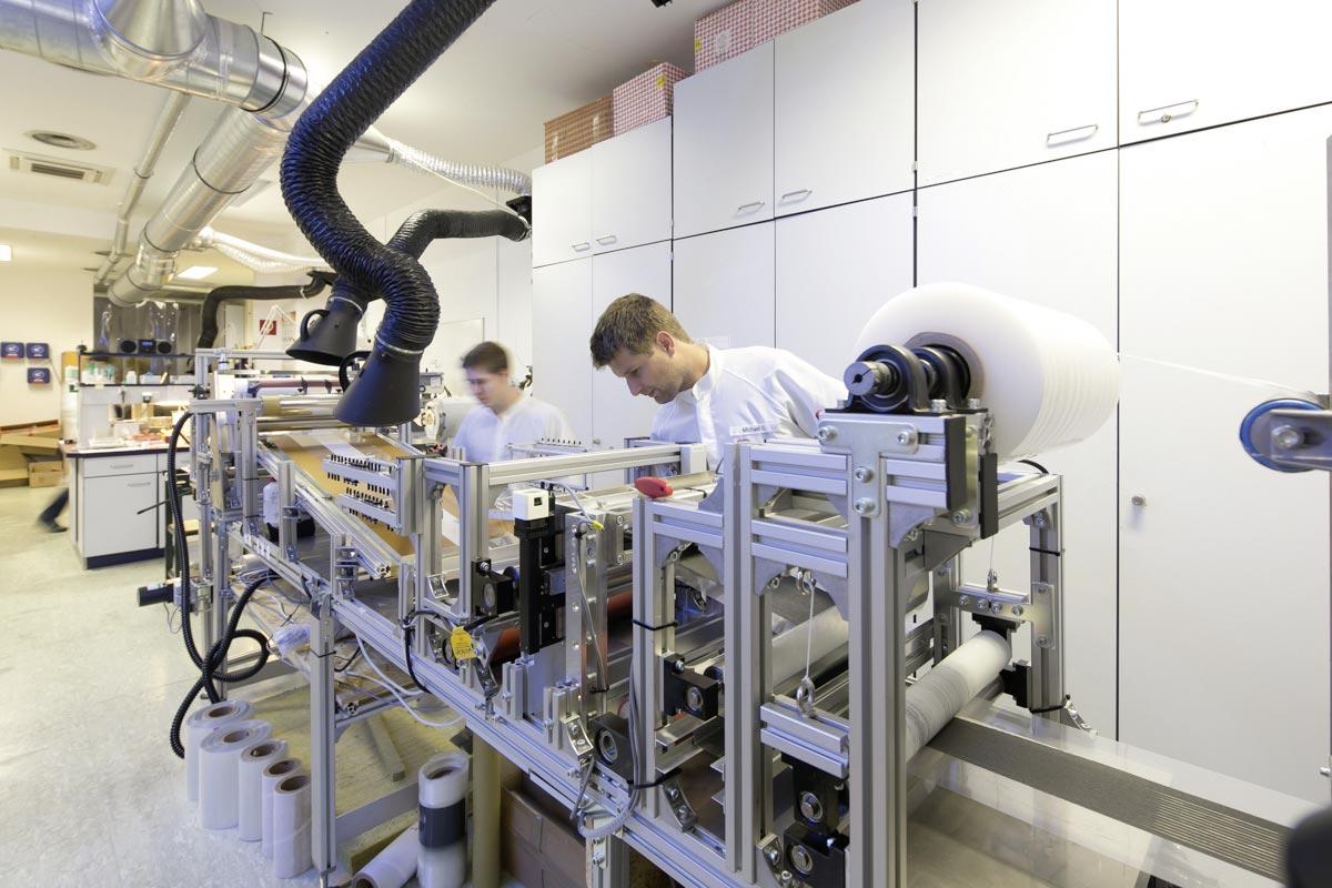 Test runs for print.PV at crystalsol GmbH, Photos: crystalsol GmbH, Helmut Mitter www.helmut-mitter.com
