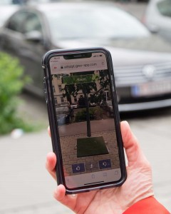 For specific places in the urban area, visualisations of greening measures in public spaces can be accessed via a link. In the future, residents should be able to evaluate different variants from their mobile phones. Photo: PlanSinn – Schopper