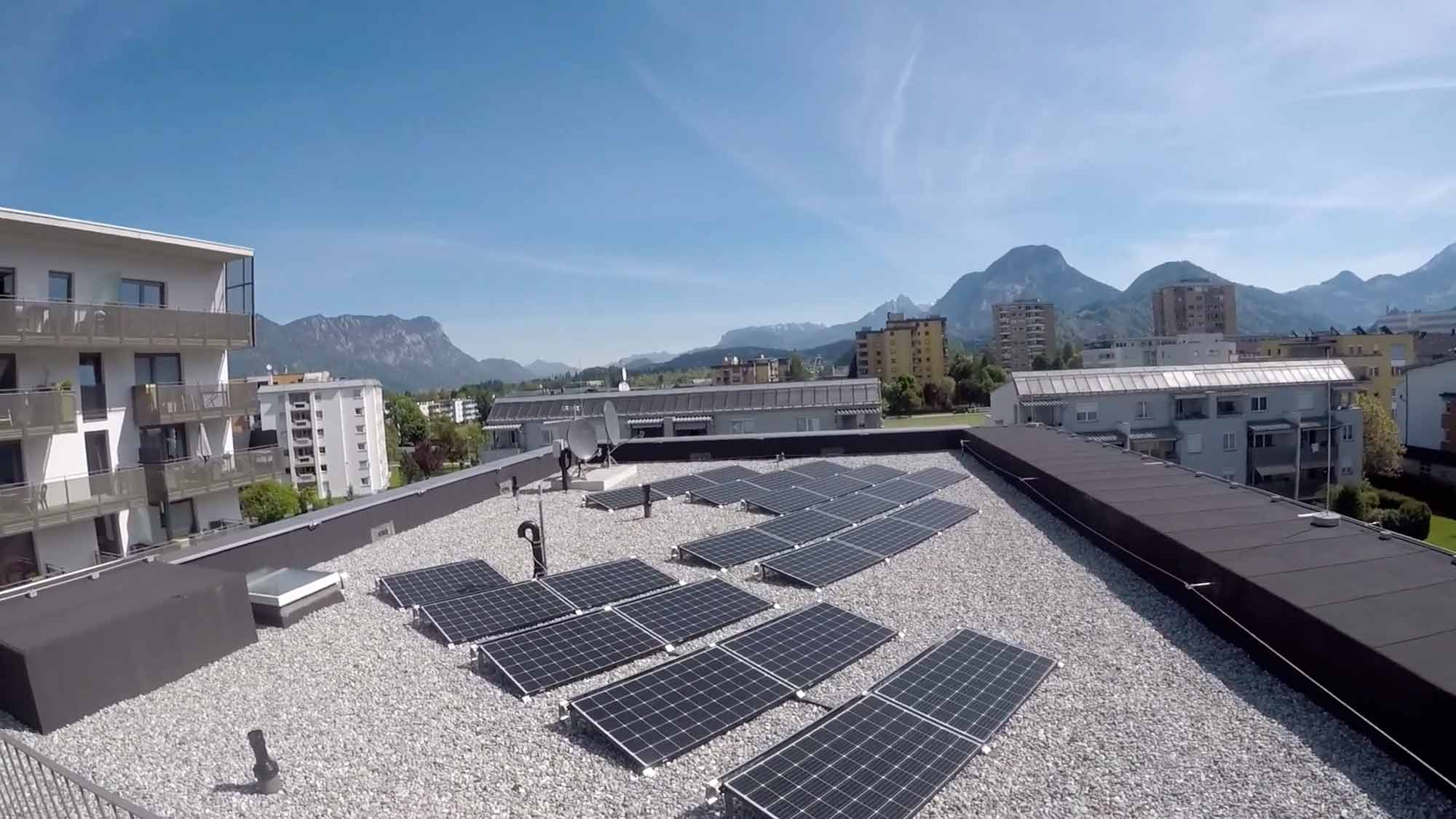 Südtiroler Siedlung, Neue Heimat Tirol (NHT), PV system with 29 kWpeak output installed on the three roofs of the first-phase buildings. Additional capacity of 40 kWpeak is planned for the second phase of construction, photo: Stadtwerke Wörgl GmbH