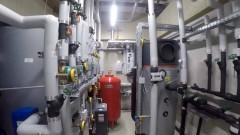 Haustechnikraum mit Wärmepumpe, Foto: Stadtwerke Wörgl GmbH