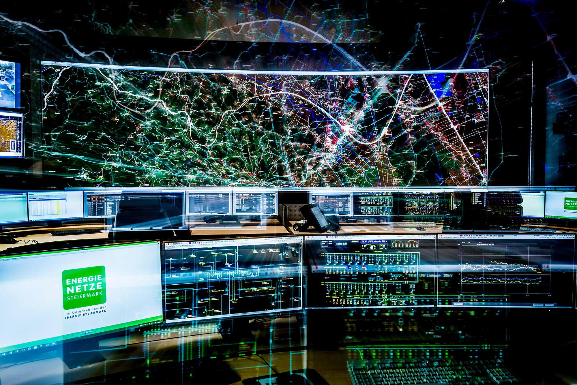 Überwachung des Stromnetzes in der Netzleitwarte, Foto: Energie Steiermark/Werner Krug
